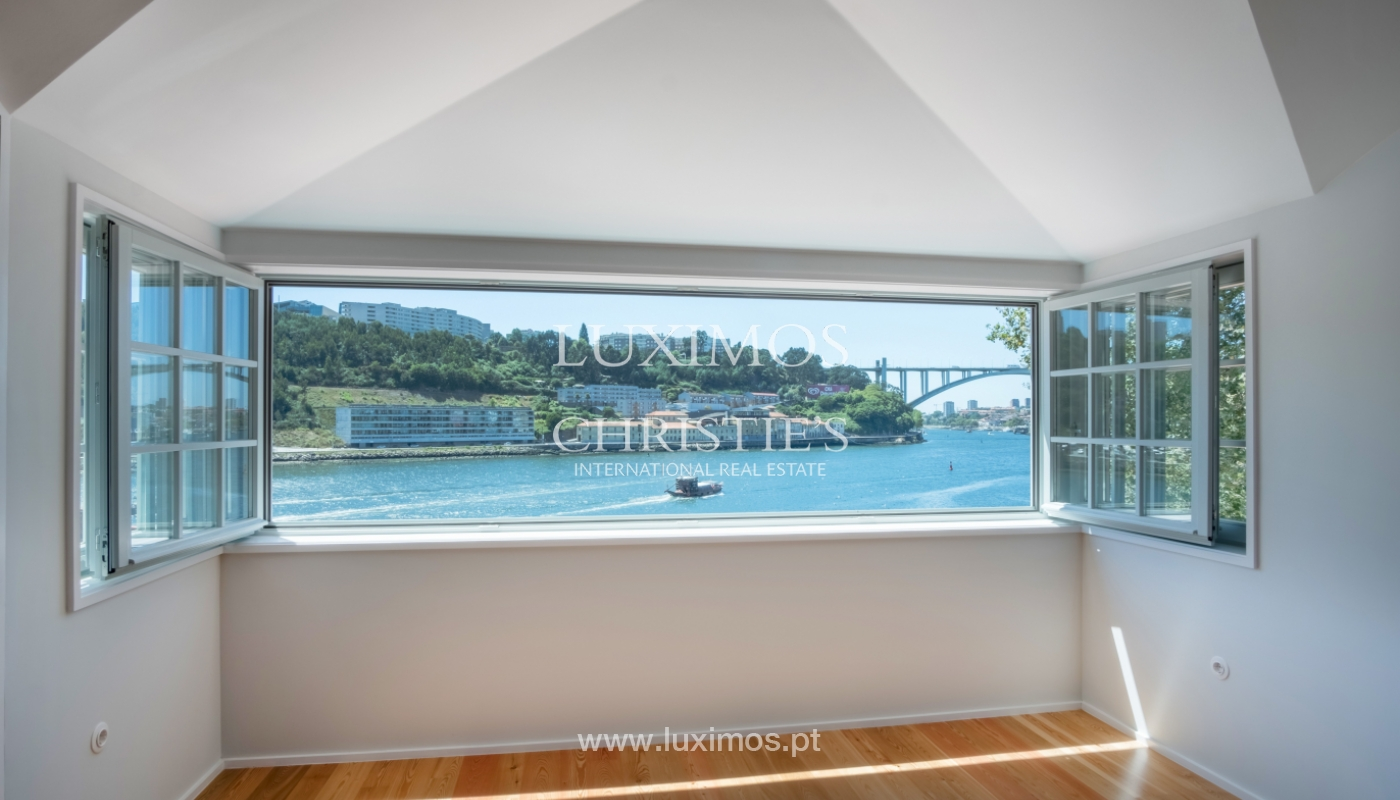Sale of apartment with fantastic river view, Porto, Portugal_113374