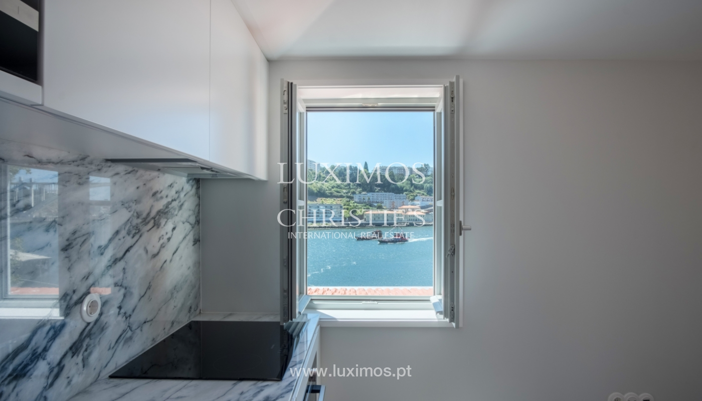 Sale of apartment with fantastic river view, Porto, Portugal_113375