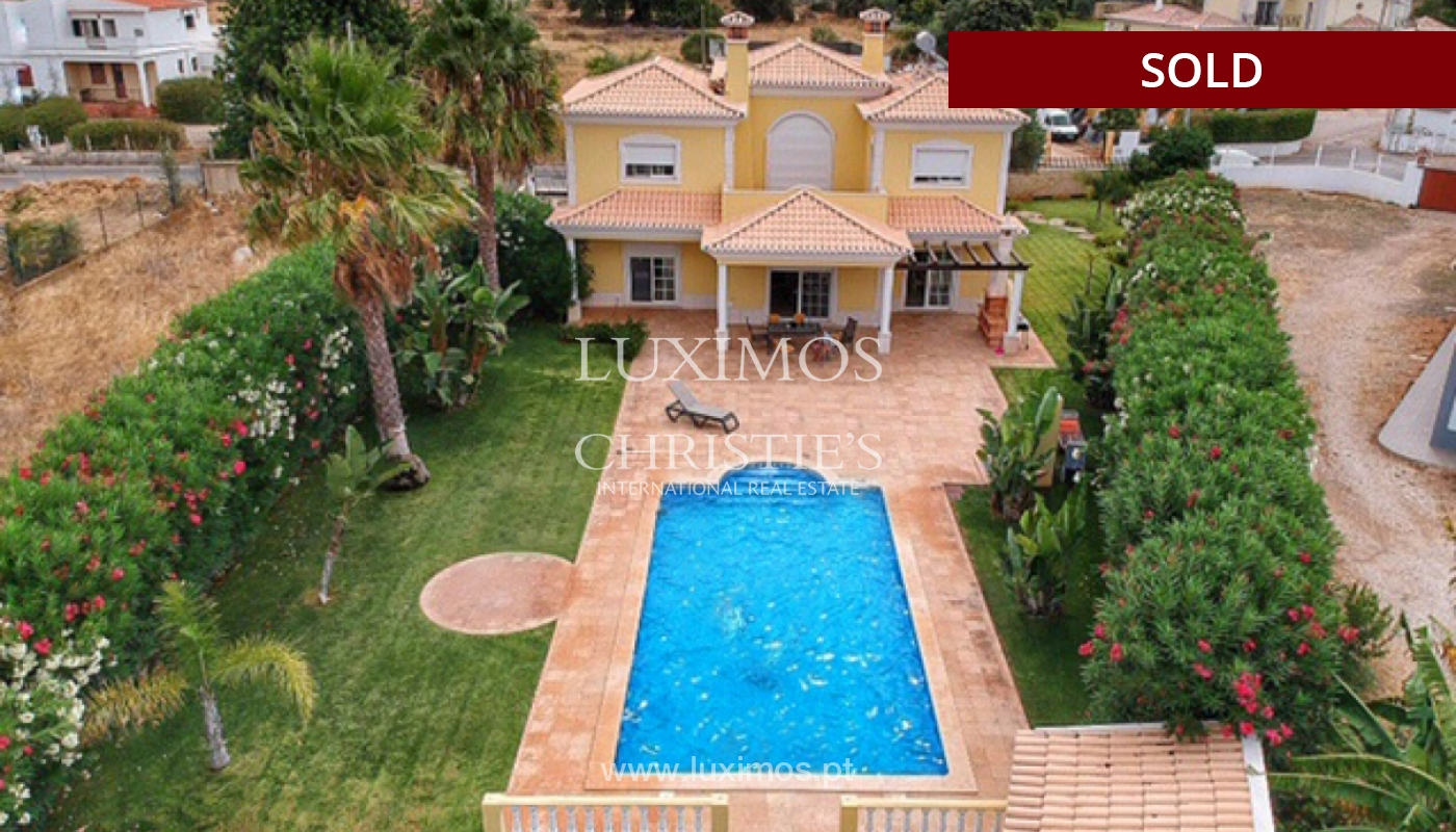 Sale of villa with swimming pool in Quarteira, Algarve, Portugal_113980