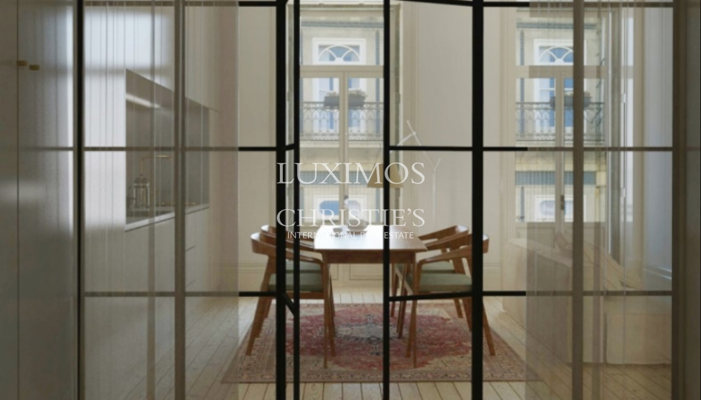 Sale of apartment with balcony in downtown Porto, Portugal_114516