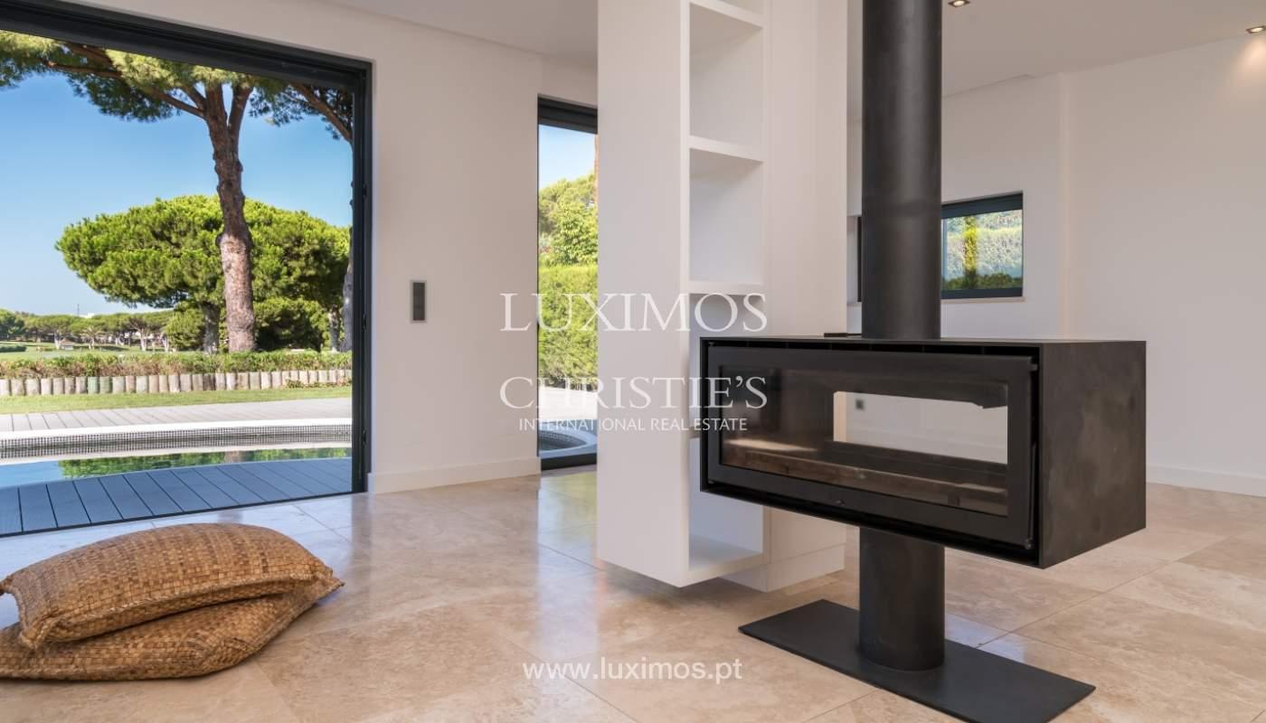 Venda de moradia com piscina, frente golfe em Vilamoura, Algarve_116044