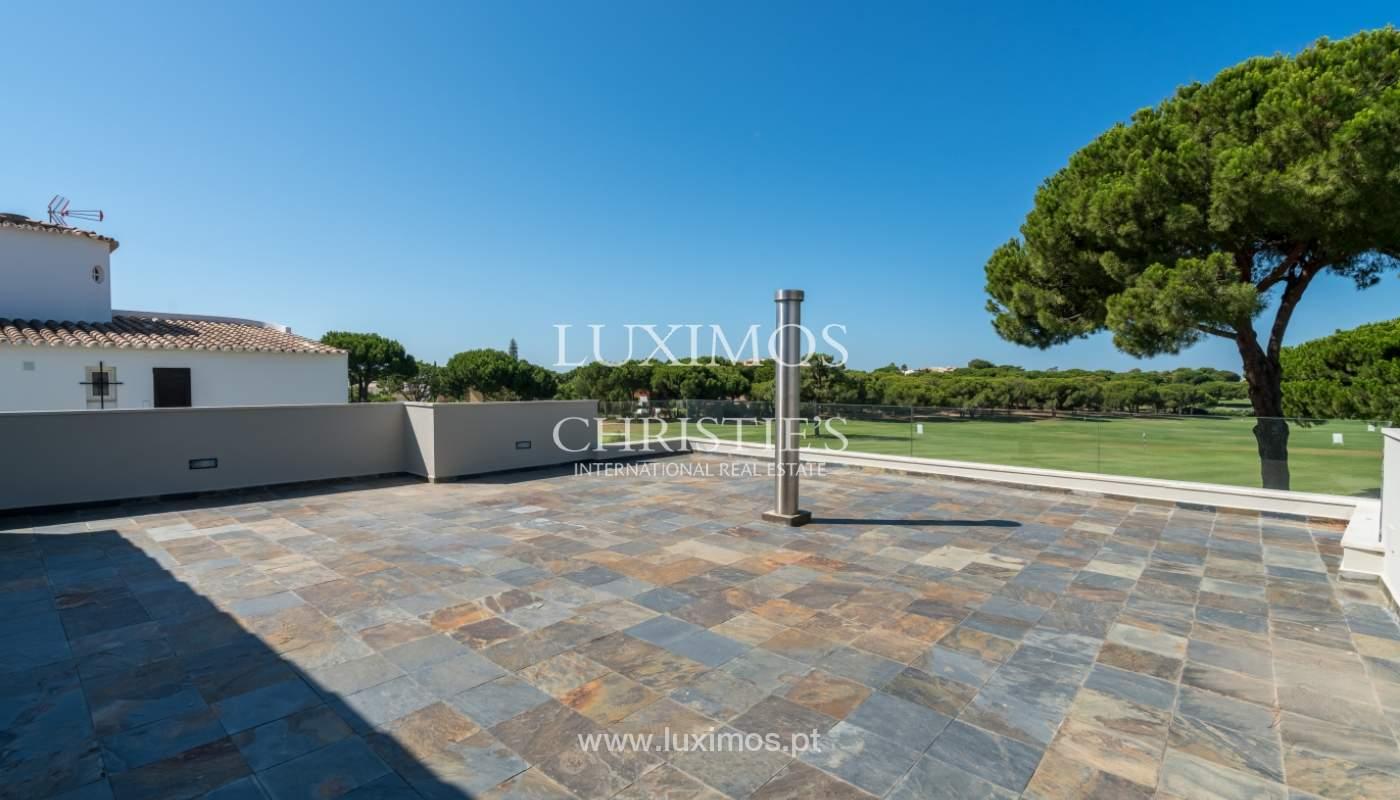 Venda de moradia com piscina, frente golfe em Vilamoura, Algarve_116069