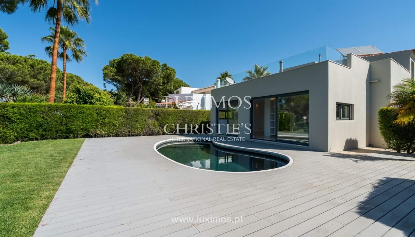 Venda de moradia com piscina, frente golfe em Vilamoura, Algarve_116078