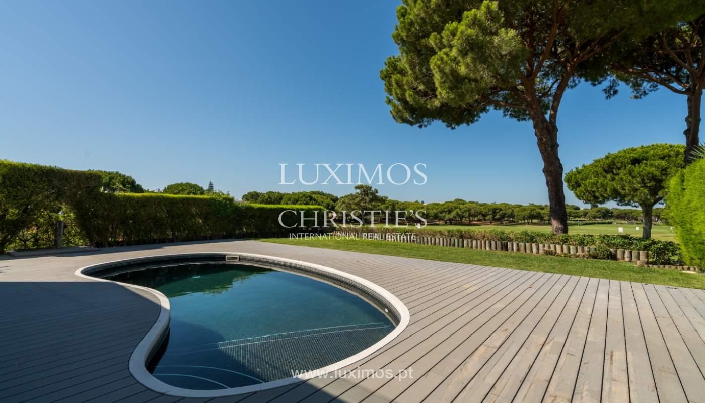 Venda de moradia com piscina, frente golfe em Vilamoura, Algarve_116080