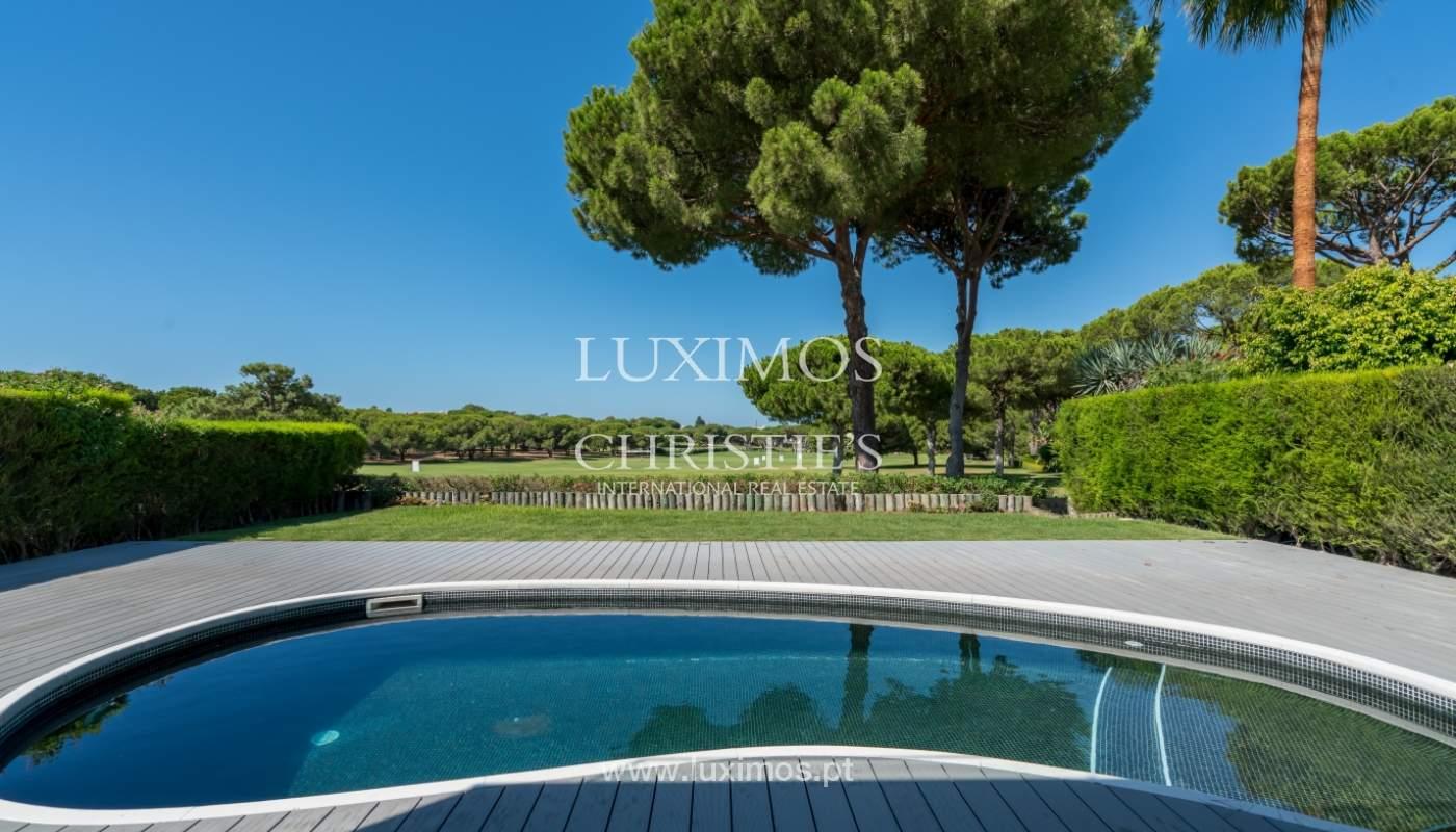 Venda de moradia com piscina, frente golfe em Vilamoura, Algarve_116084