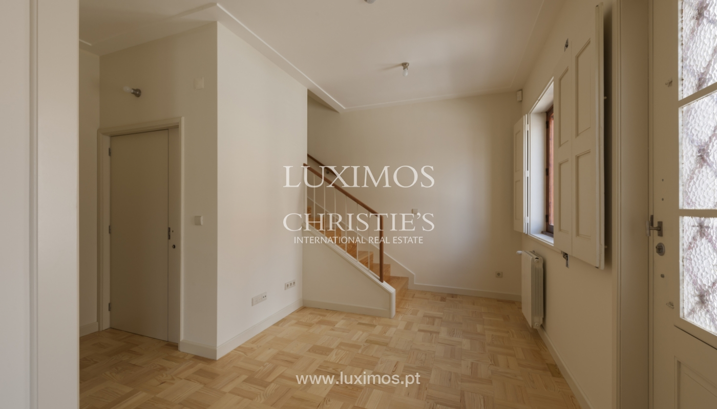 The sale of a house with a backyard and a garden in Fânzeres, Gondomar_117900