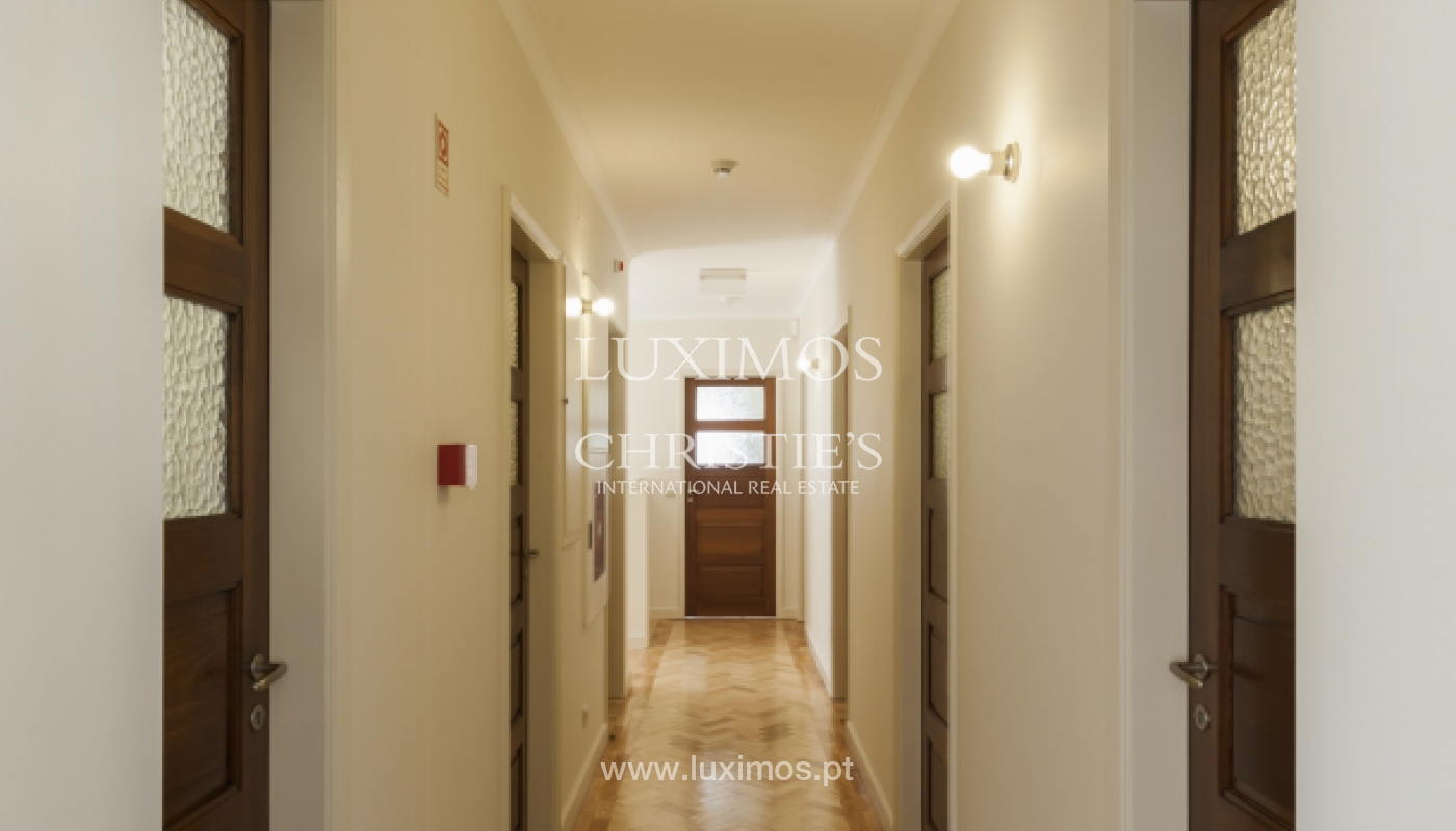 The sale of a house with a backyard and a garden in Fânzeres, Gondomar_117906