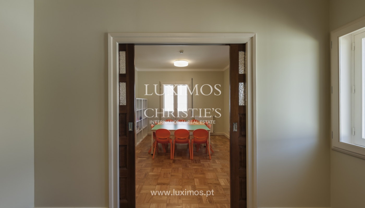The sale of a house with a backyard and a garden in Fânzeres, Gondomar_117908