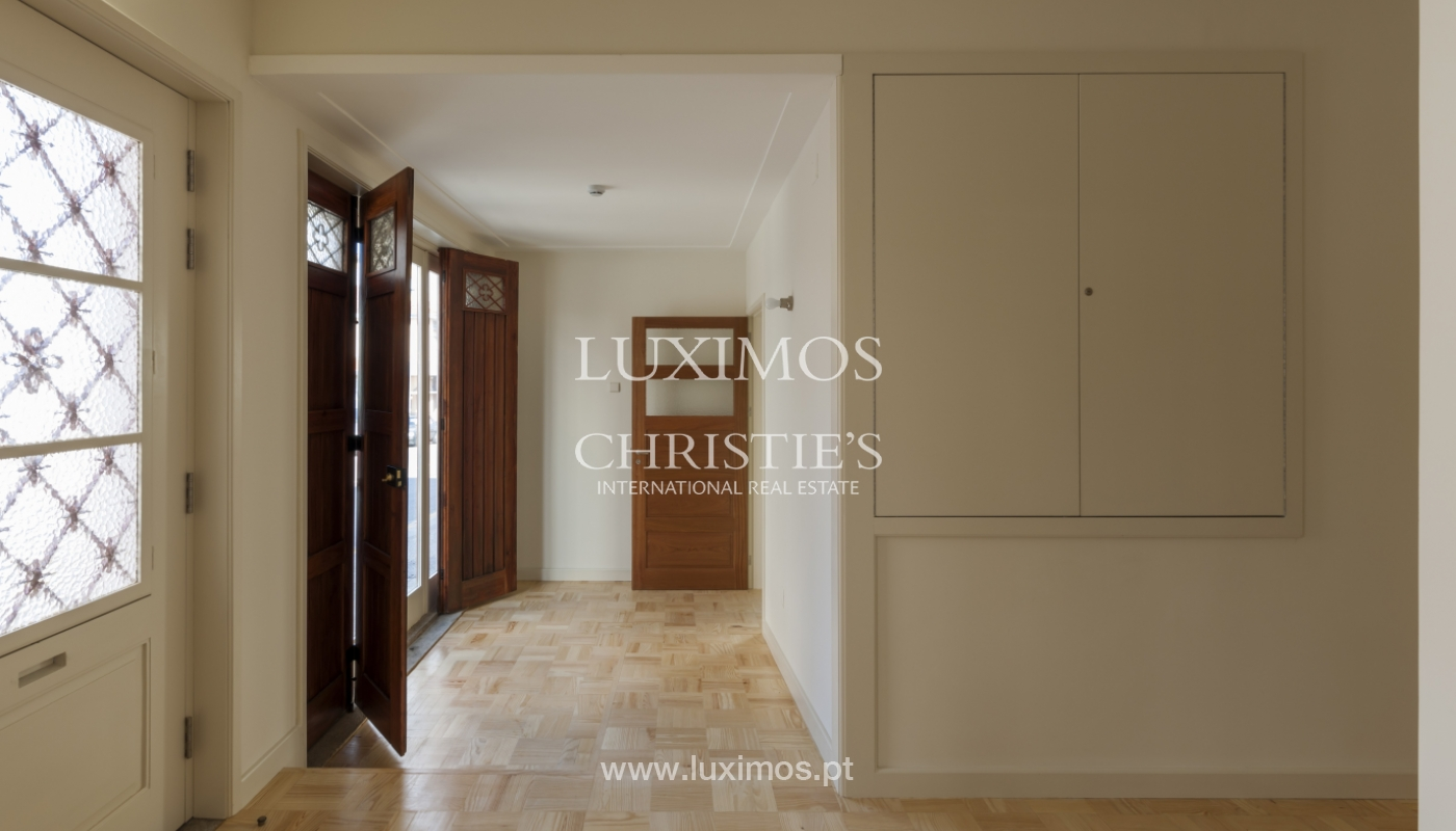 The sale of a house with a backyard and a garden in Fânzeres, Gondomar_117912