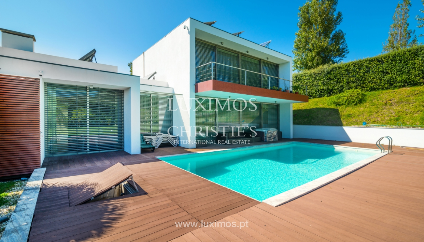 Sale of contemporary villa with garden and pool, V. N. Gaia, Portugal_118114