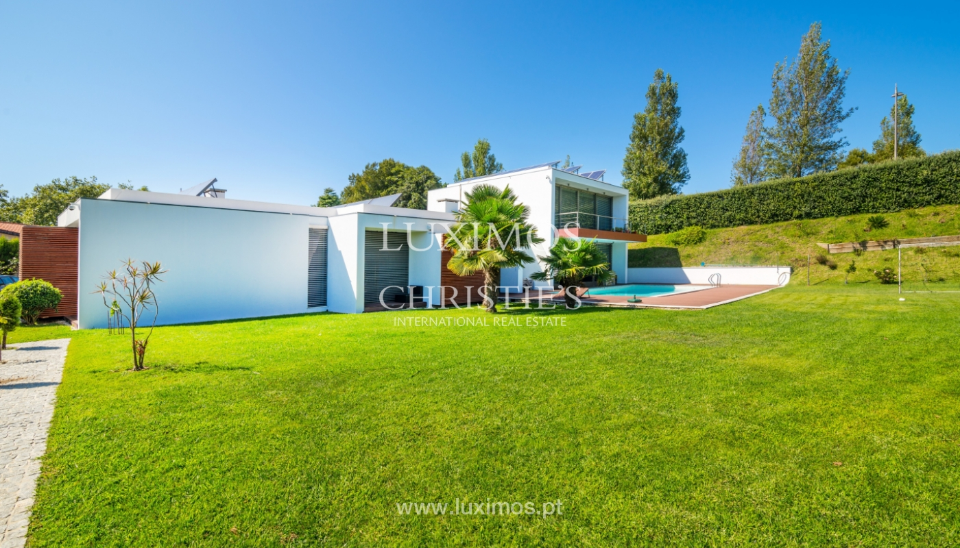 Sale of contemporary villa with garden and pool, V. N. Gaia, Portugal_118115