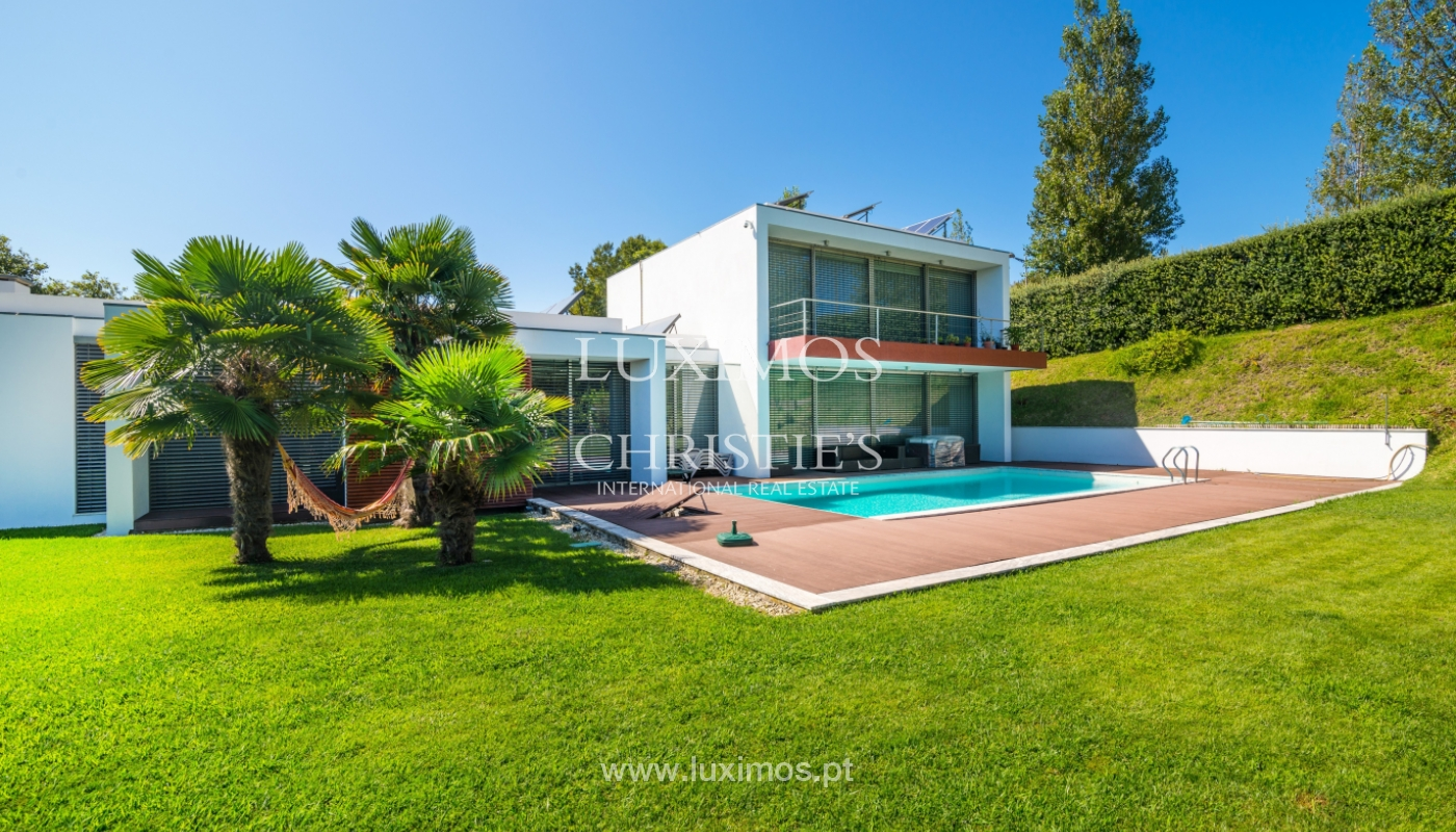 Sale of contemporary villa with garden and pool, V. N. Gaia, Portugal_118117