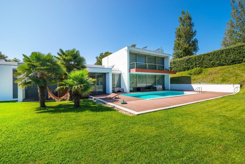 venda-moradia-contemporanea-com-jardim-e-piscina-v-n-gaia-portugal
