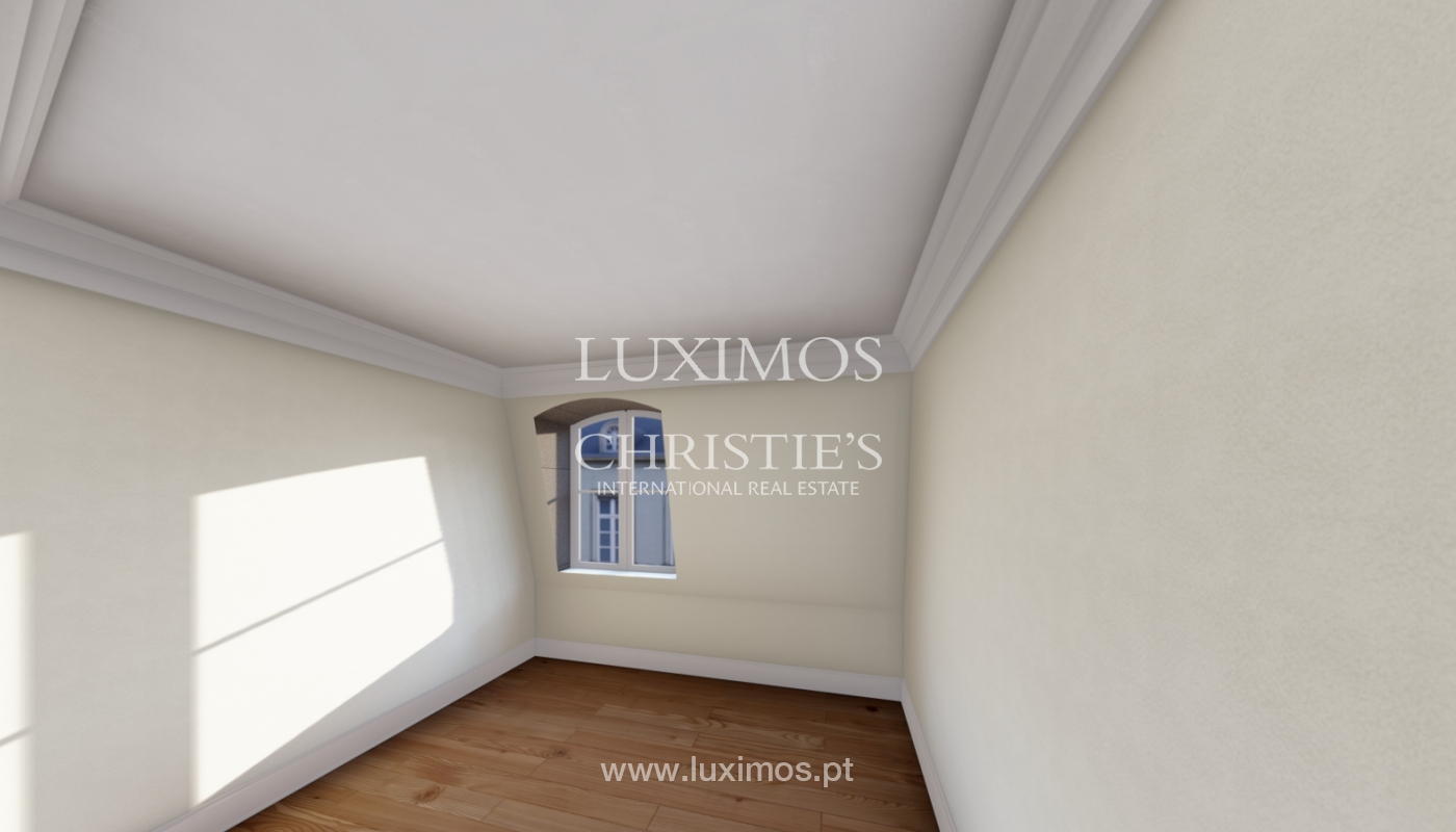 Sale duplex apartment in central location in downtown Porto, Portugal_118153