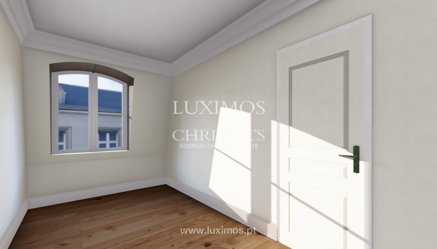 Sale duplex apartment in central location in downtown Porto, Portugal_118159
