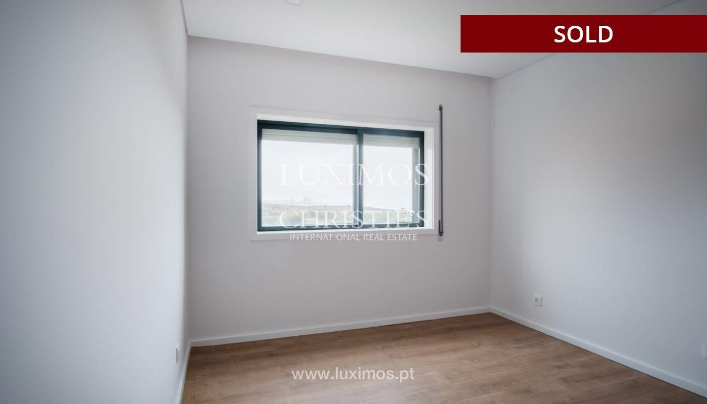 Venda de apartamento como novo, com vistas mar, V. N. Gaia, Portugal_118241