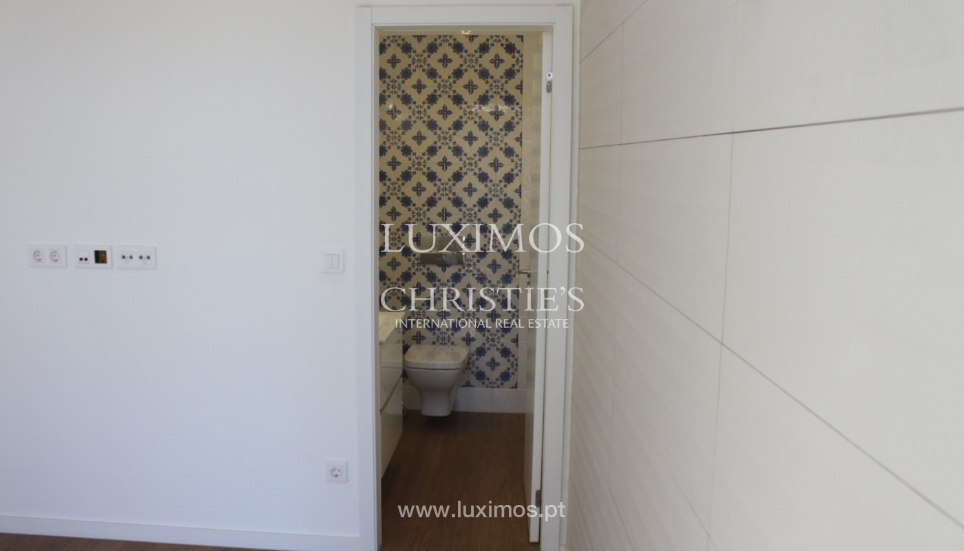Apartment with terrace, for sale, in downtown Porto, Portugal_118531