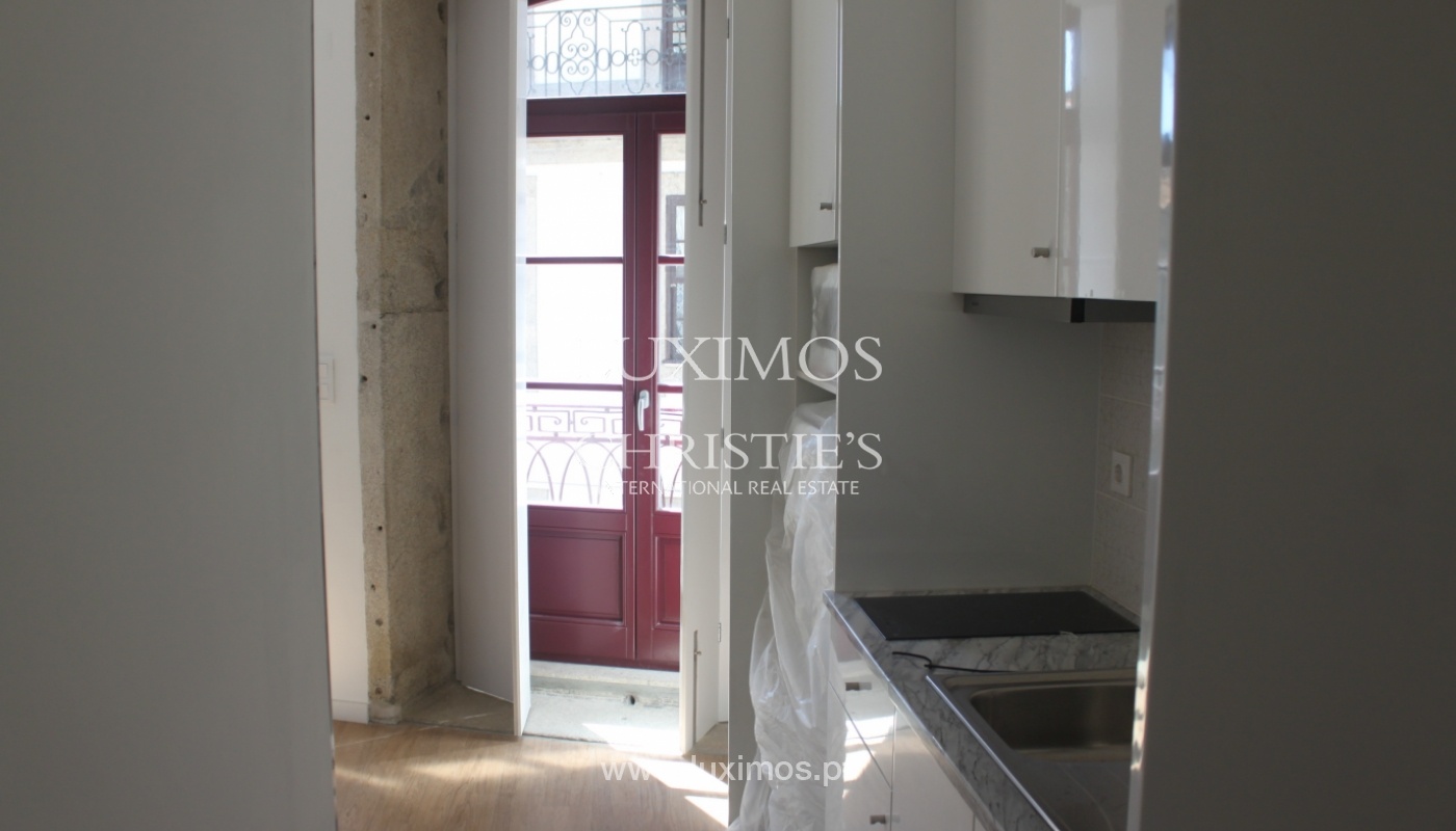 Apartment with terrace, for sale, in downtown Porto, Portugal_118533