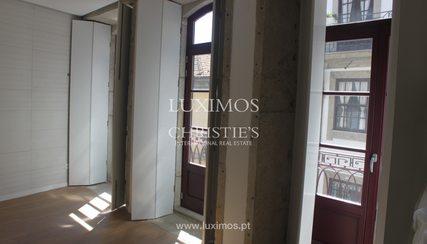 Apartment with terrace, for sale, in downtown Porto, Portugal_118534