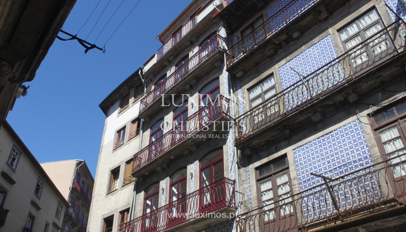 Apartment with terrace, for sale, in downtown Porto, Portugal_118542