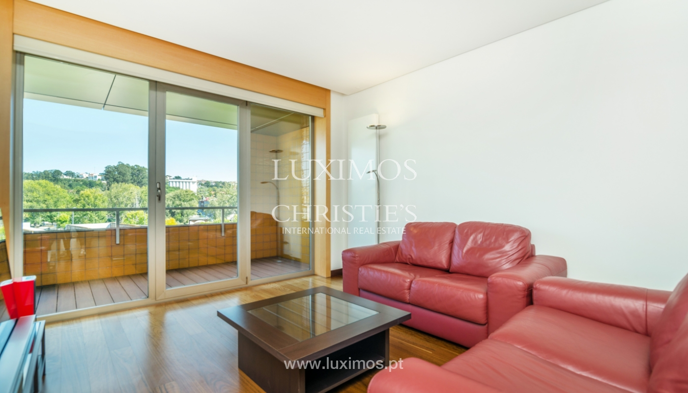 Sale of apartment with balcony and river views, Porto, Portugal_119059