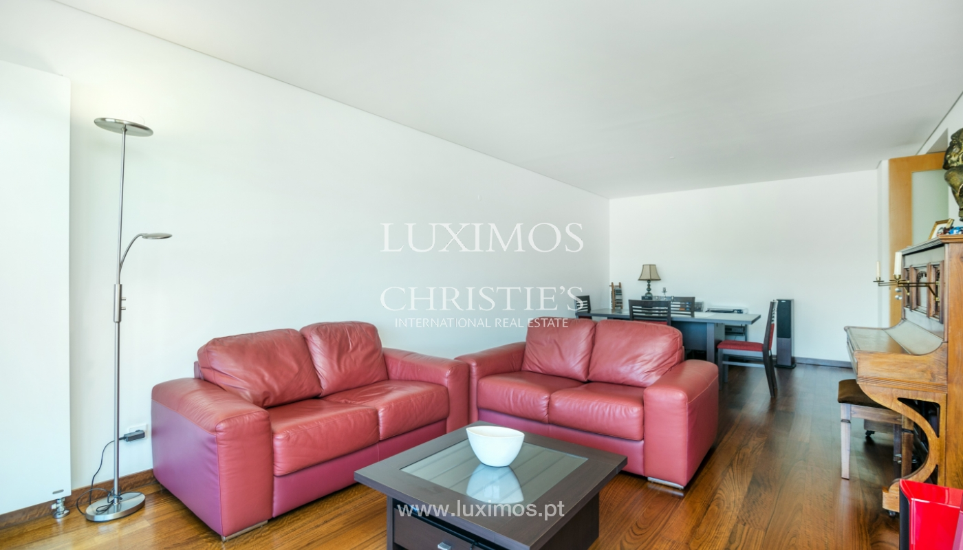 Sale of apartment with balcony and river views, Porto, Portugal_119066