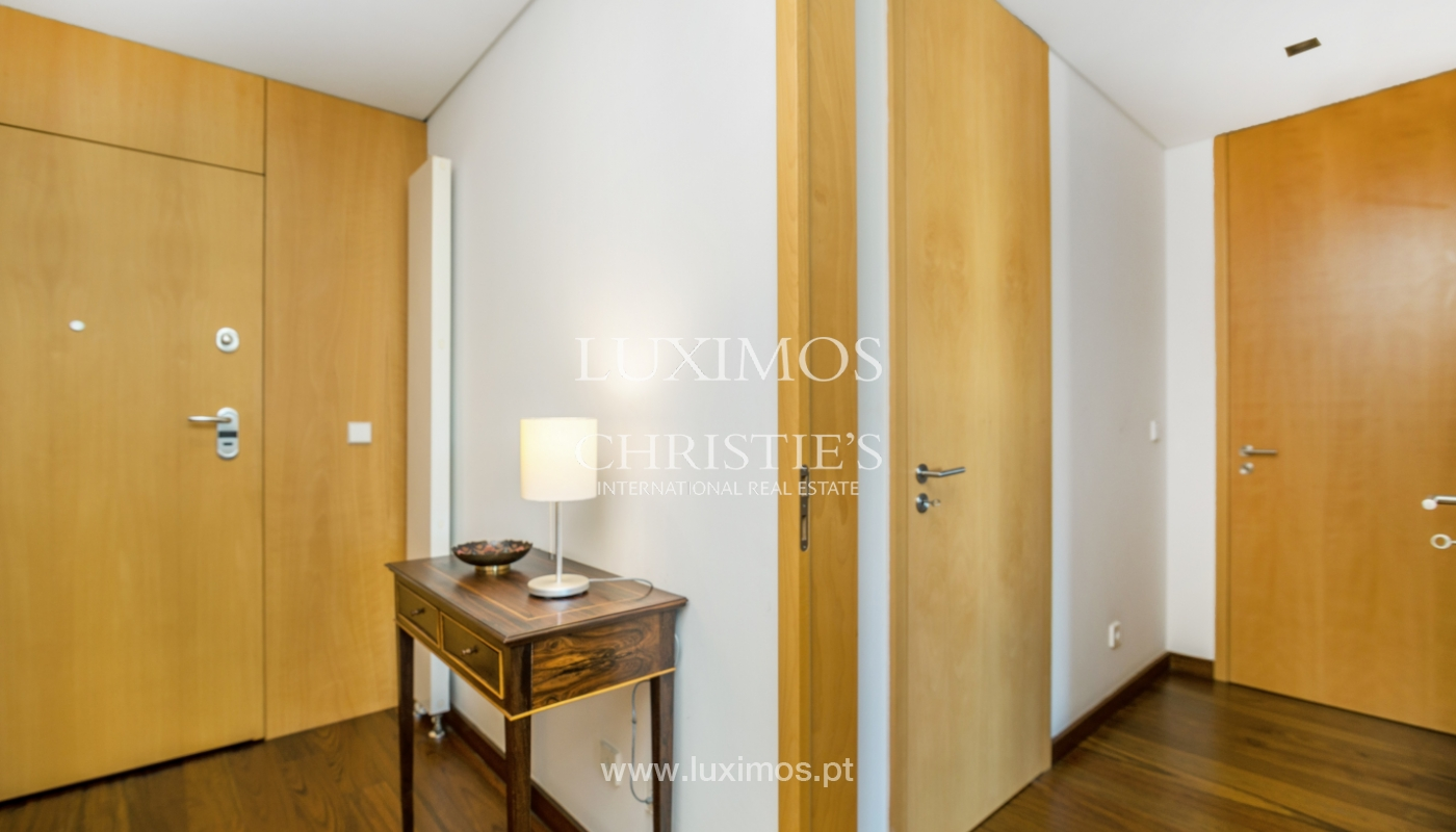 Sale of apartment with balcony and river views, Porto, Portugal_119068
