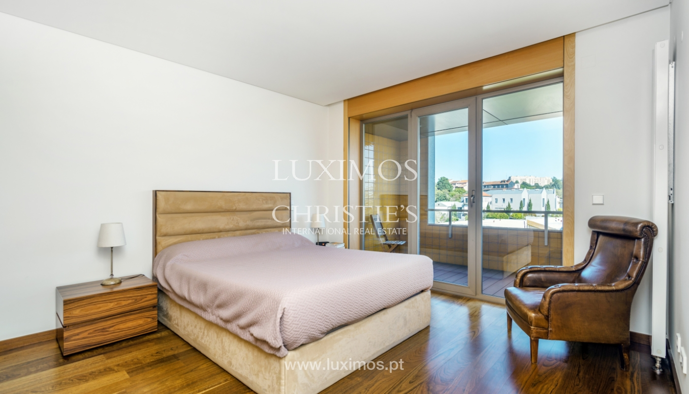 Sale of apartment with balcony and river views, Porto, Portugal_119072