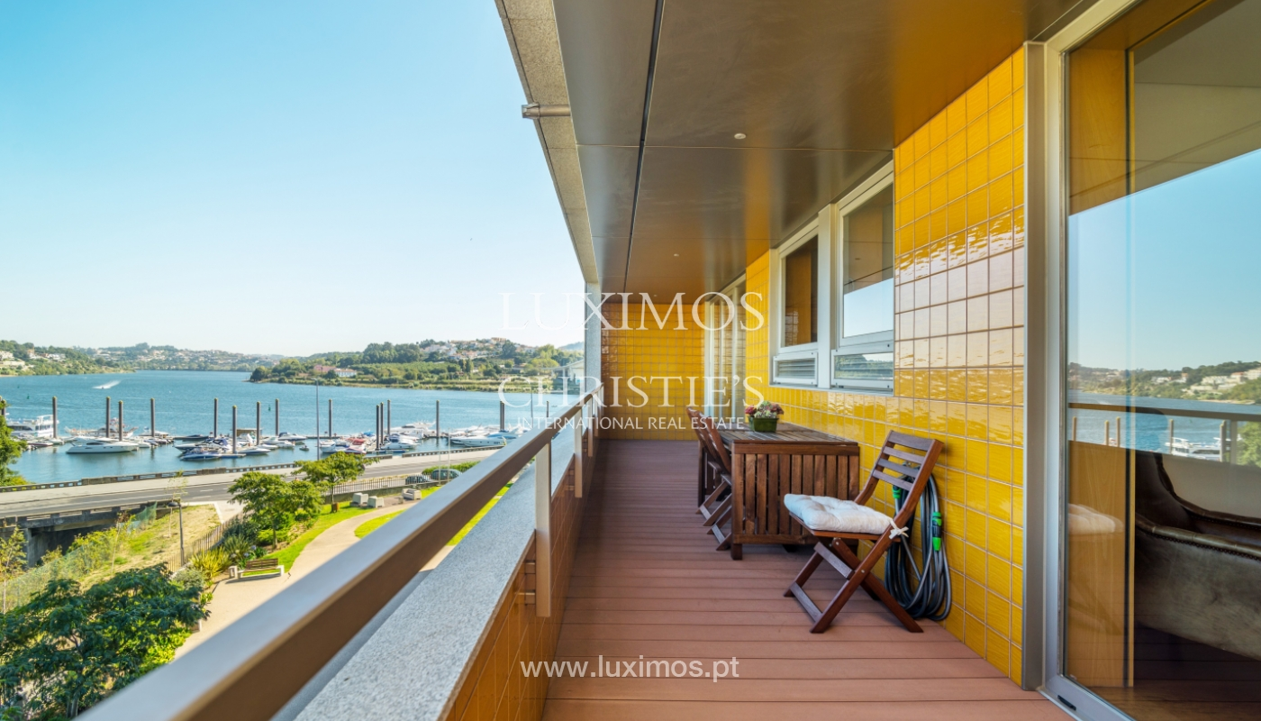 Sale of apartment with balcony and river views, Porto, Portugal_119073