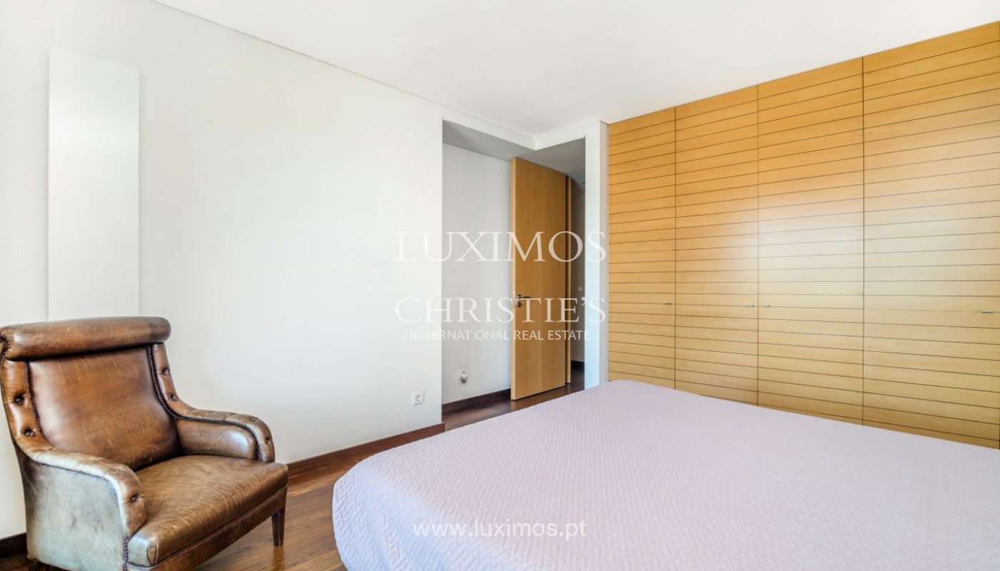 Sale of apartment with balcony and river views, Porto, Portugal_119075