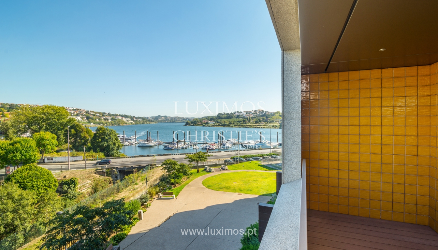 Sale of apartment with balcony and river views, Porto, Portugal_119076