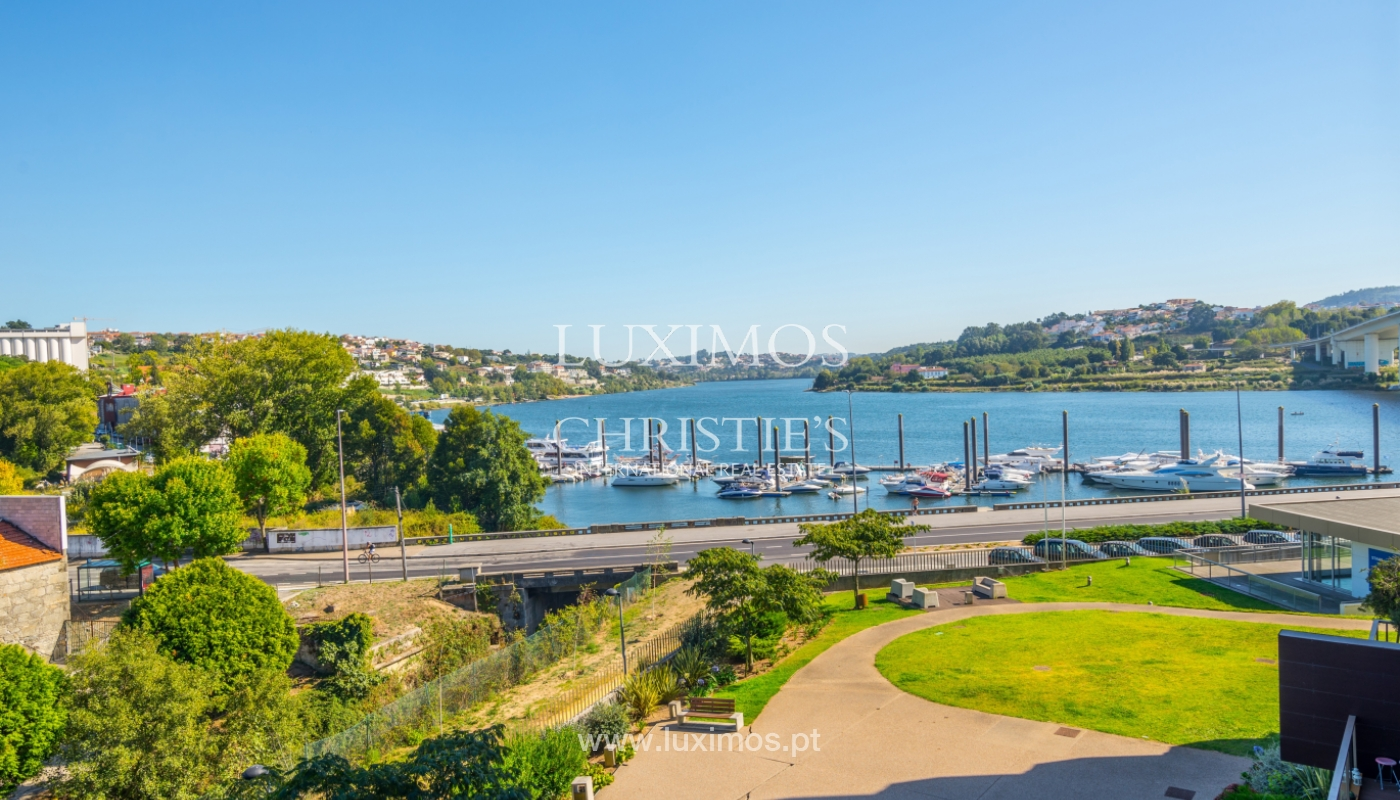 Sale of apartment with balcony and river views, Porto, Portugal_119077