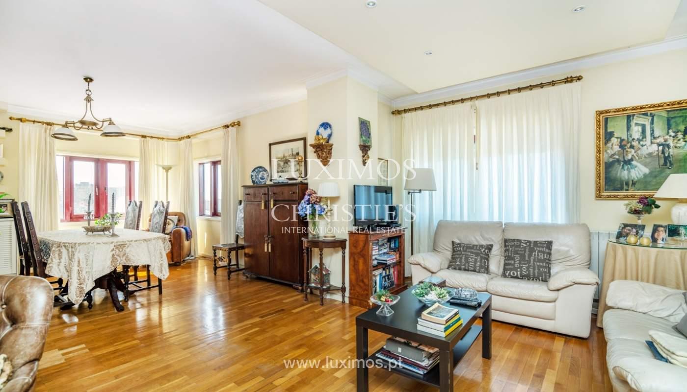 Sale of apartment with 3 balconies, Vila Nova de Gaia, Portugal_119083