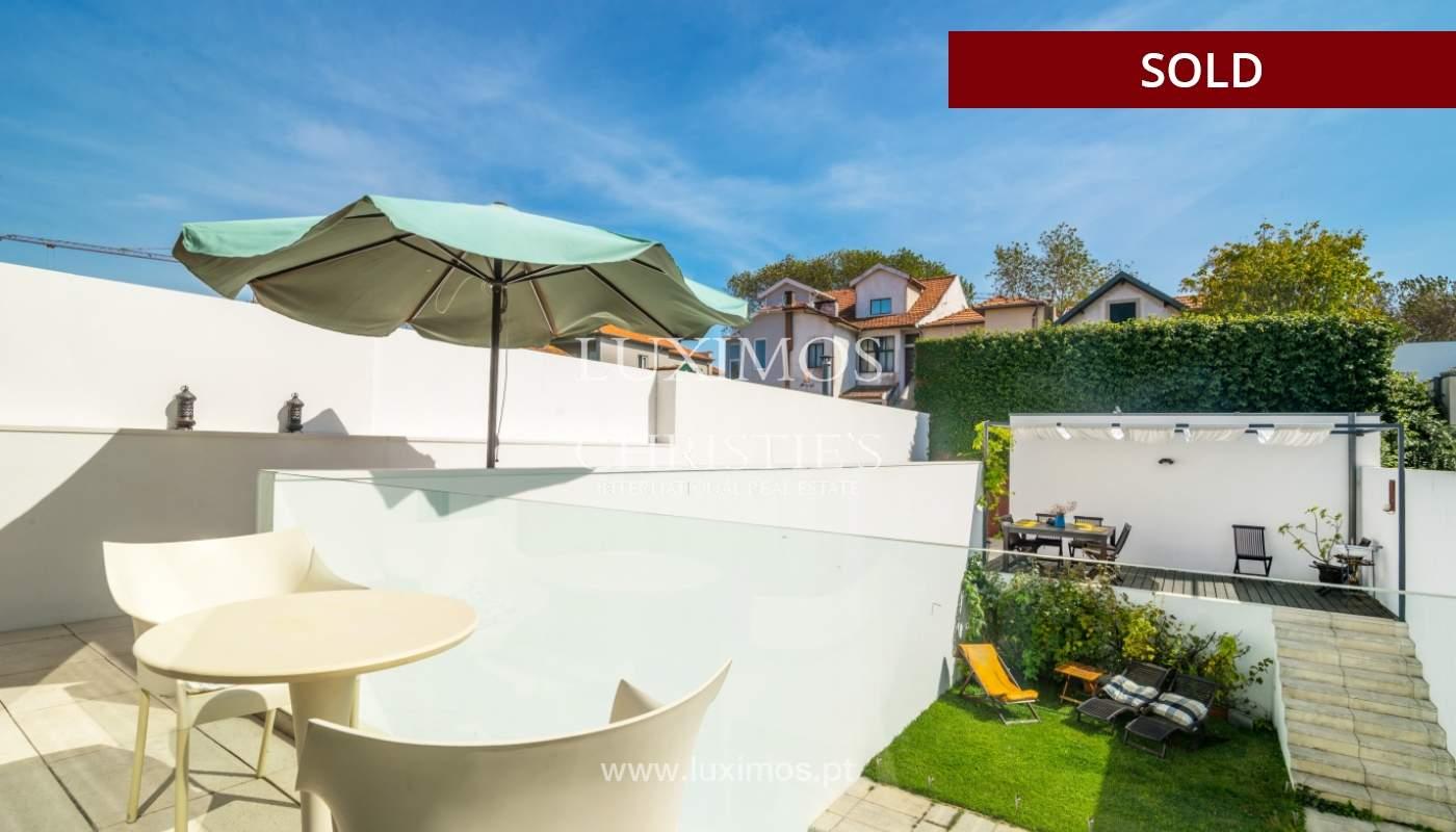 Venda de moradia de linhas modernas com piscina, na Foz do Douro_119117