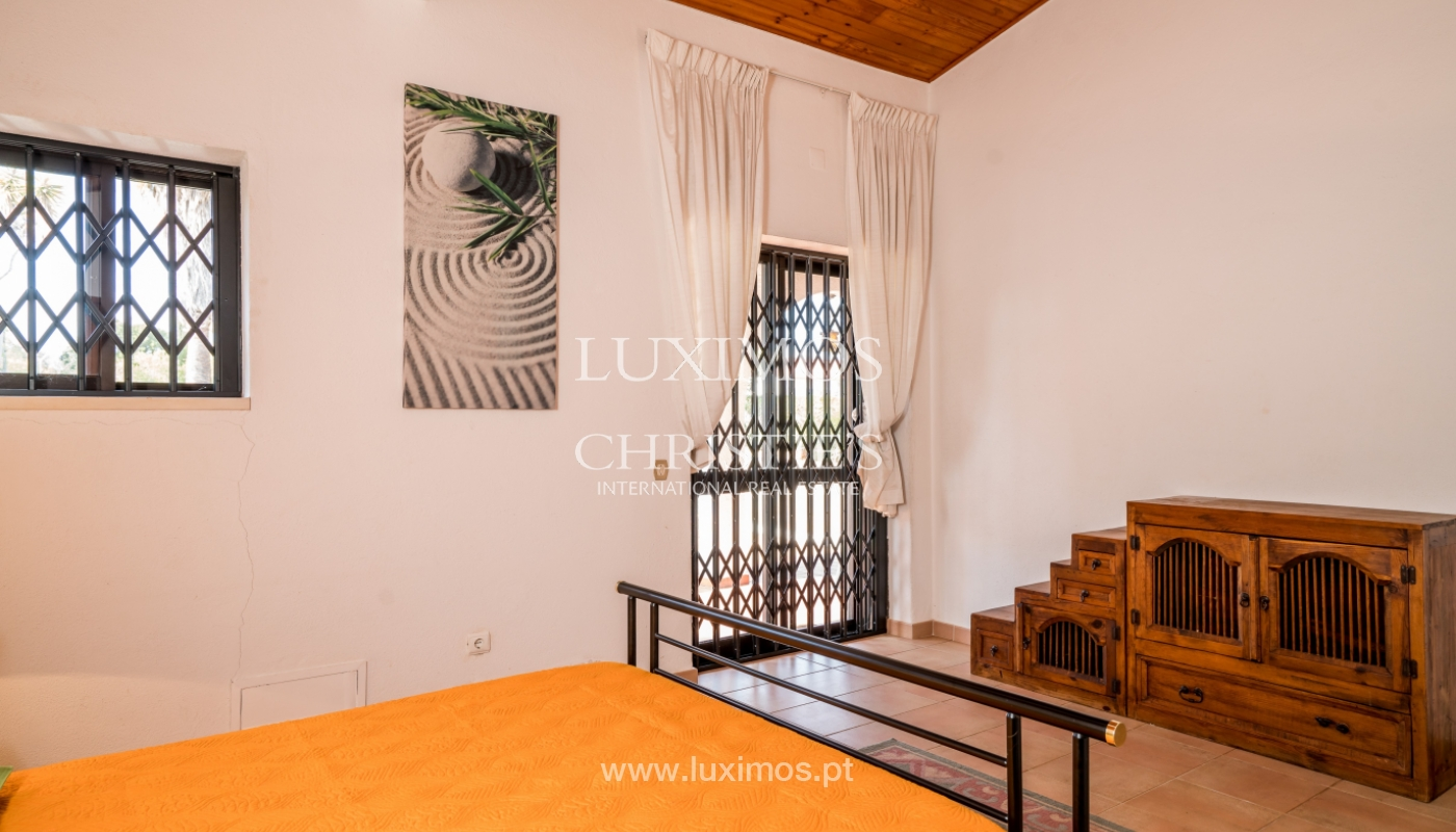Sale of villa with pool and garden in Almancil, Algarve, Portugal_119471