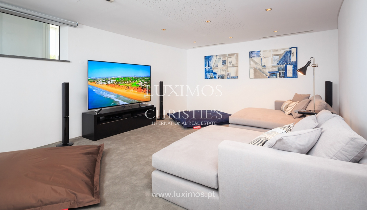 Haus zum Verkauf, Meerblick, direkter Zugang zum Strand, in Vale do Lobo, Algarve, Portugal_119541