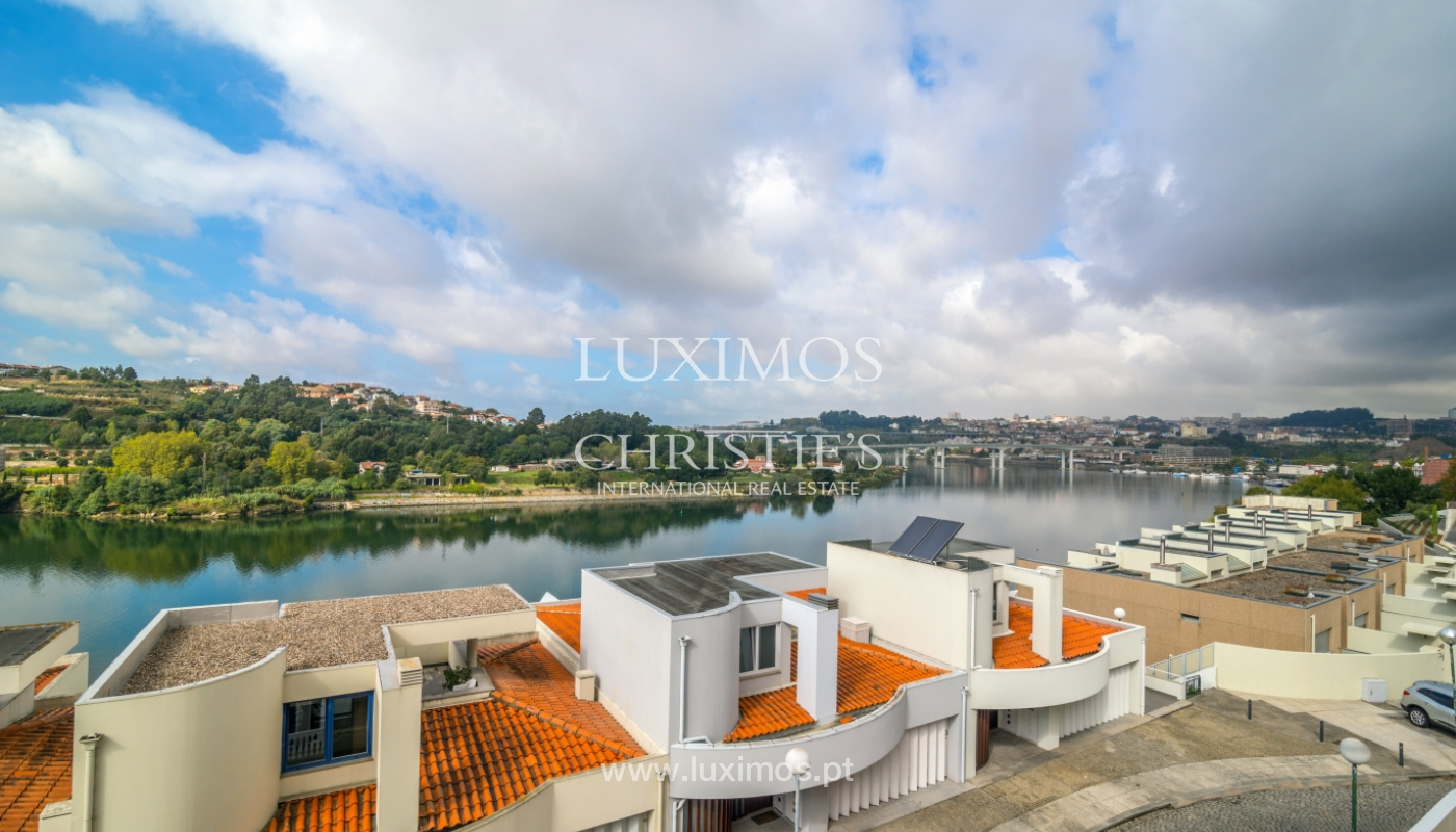 Sale of villa w/ terrace, lake and Douro River views, Porto, Portugal_119782