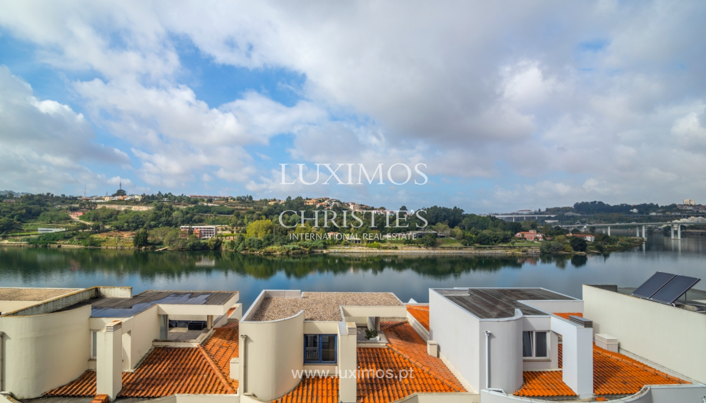 Sale of villa w/ terrace, lake and Douro River views, Porto, Portugal_119784