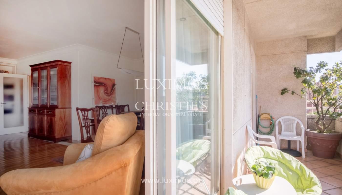 Verkauf von Appartement mit Balkon in Referenzanlage, Porto, Portugal_120008
