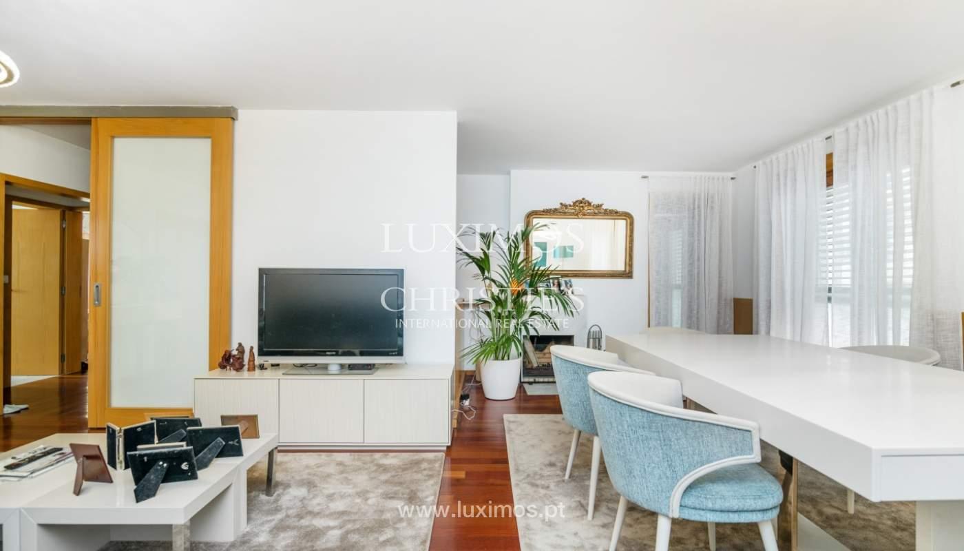 Apartamento duplex en condominio cerrado, Bonfim, Porto, Portugal_120102