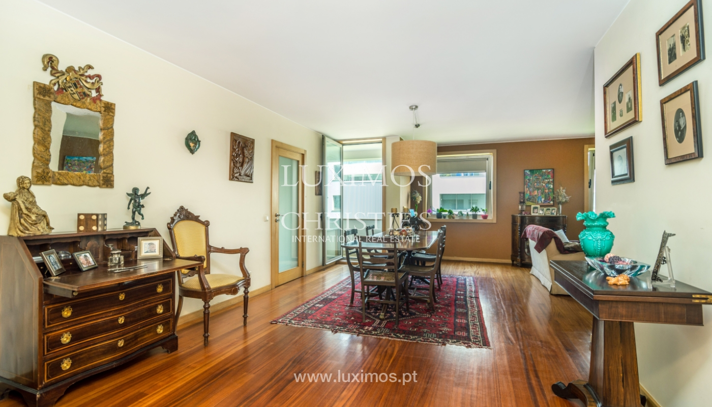 Sale of apartment in luxury condominium in Matosinhos Sul, Portugal_120167