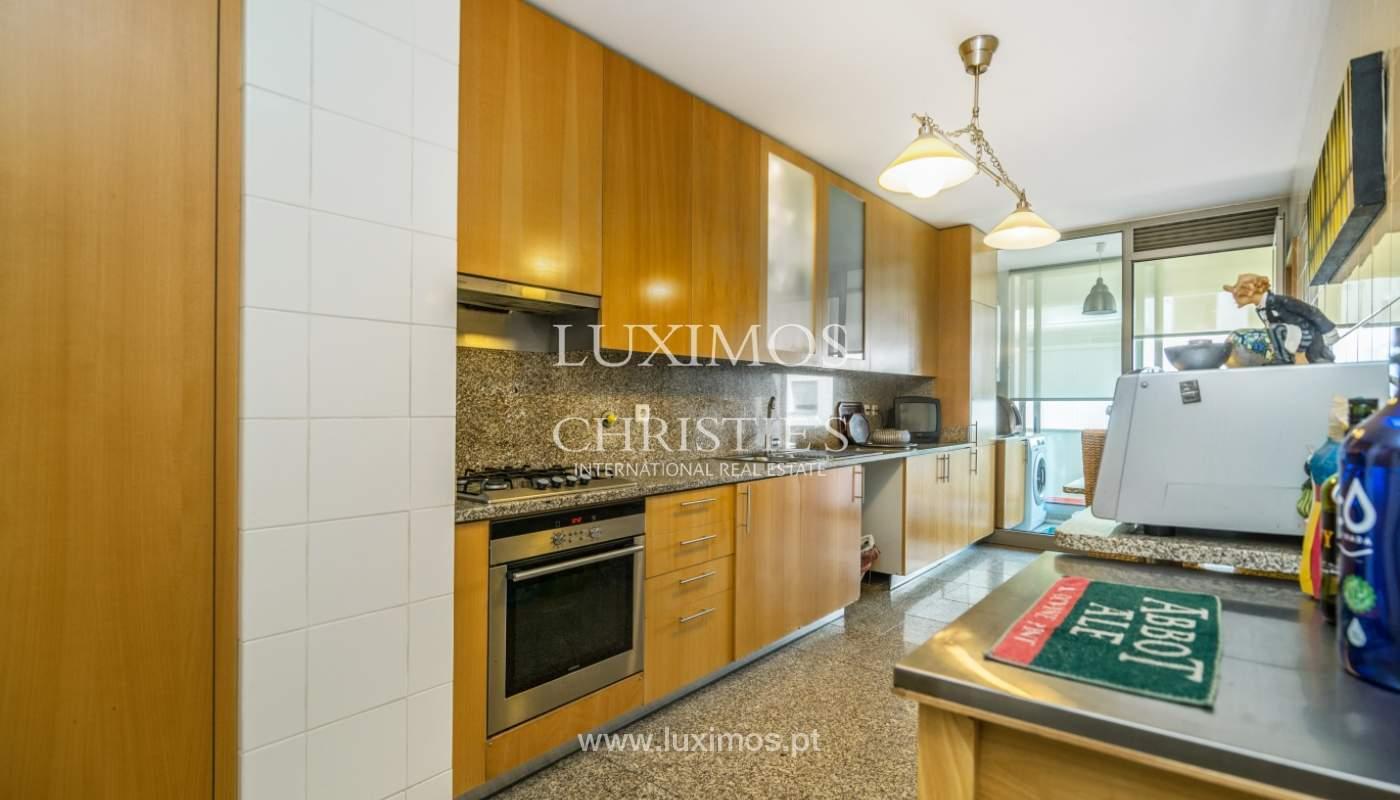 Sale of apartment in luxury condominium in Matosinhos Sul, Portugal_120169