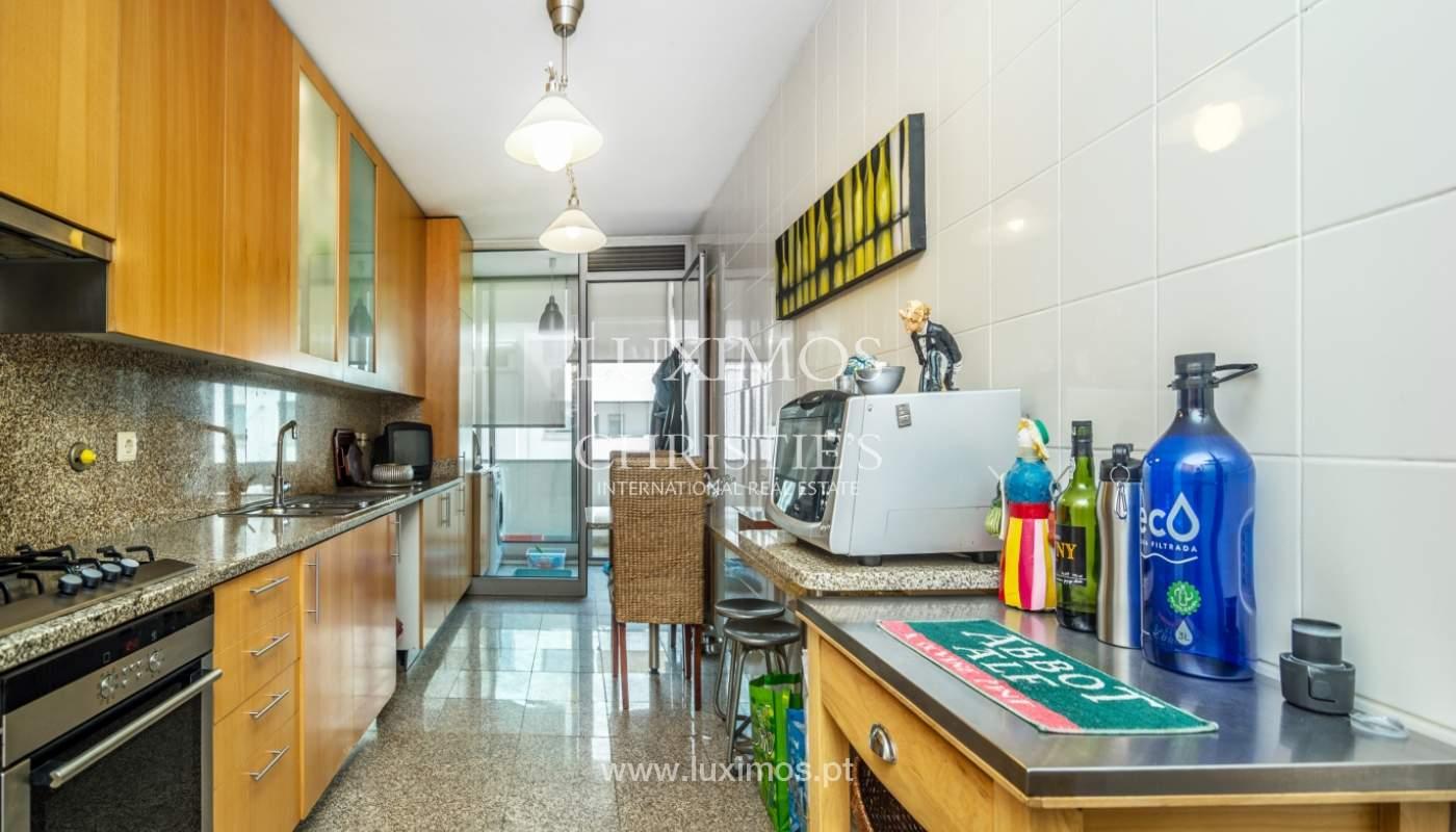 Sale of apartment in luxury condominium in Matosinhos Sul, Portugal_120170