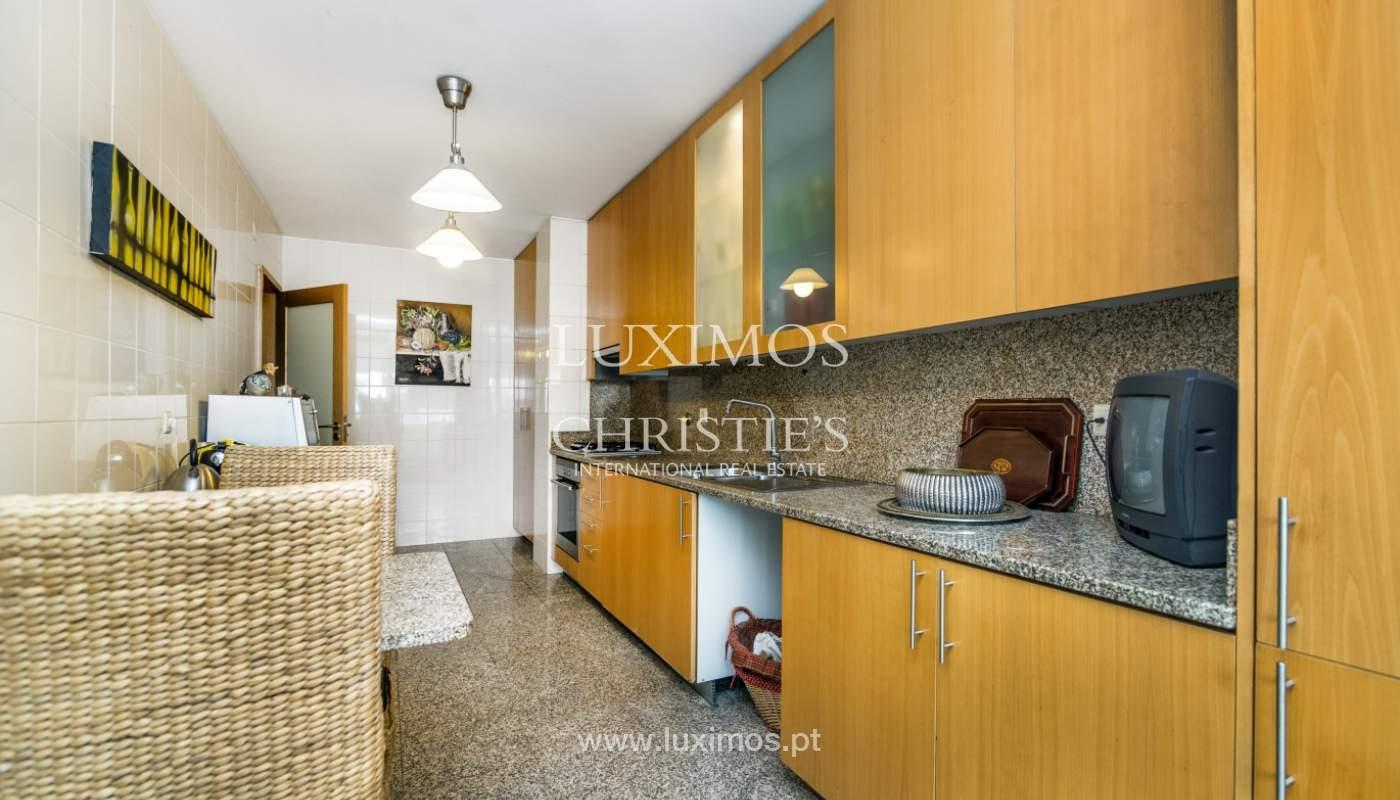 Sale of apartment in luxury condominium in Matosinhos Sul, Portugal_120171
