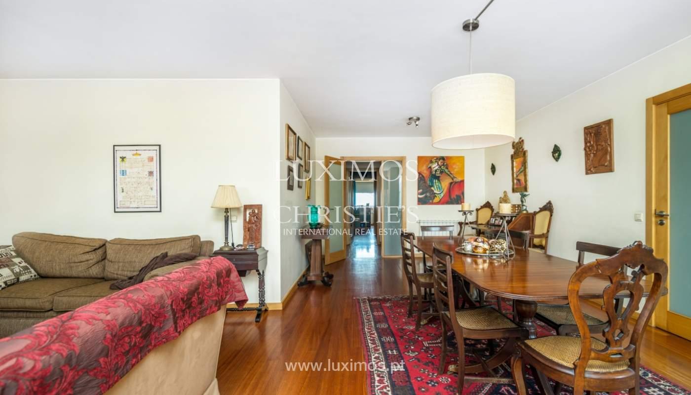 Sale of apartment in luxury condominium in Matosinhos Sul, Portugal_120174