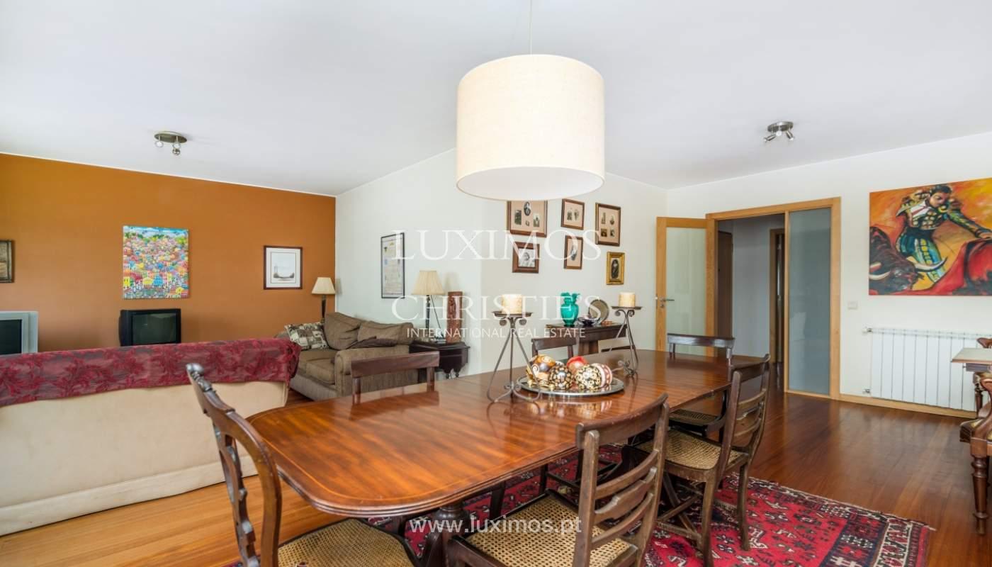 Sale of apartment in luxury condominium in Matosinhos Sul, Portugal_120175