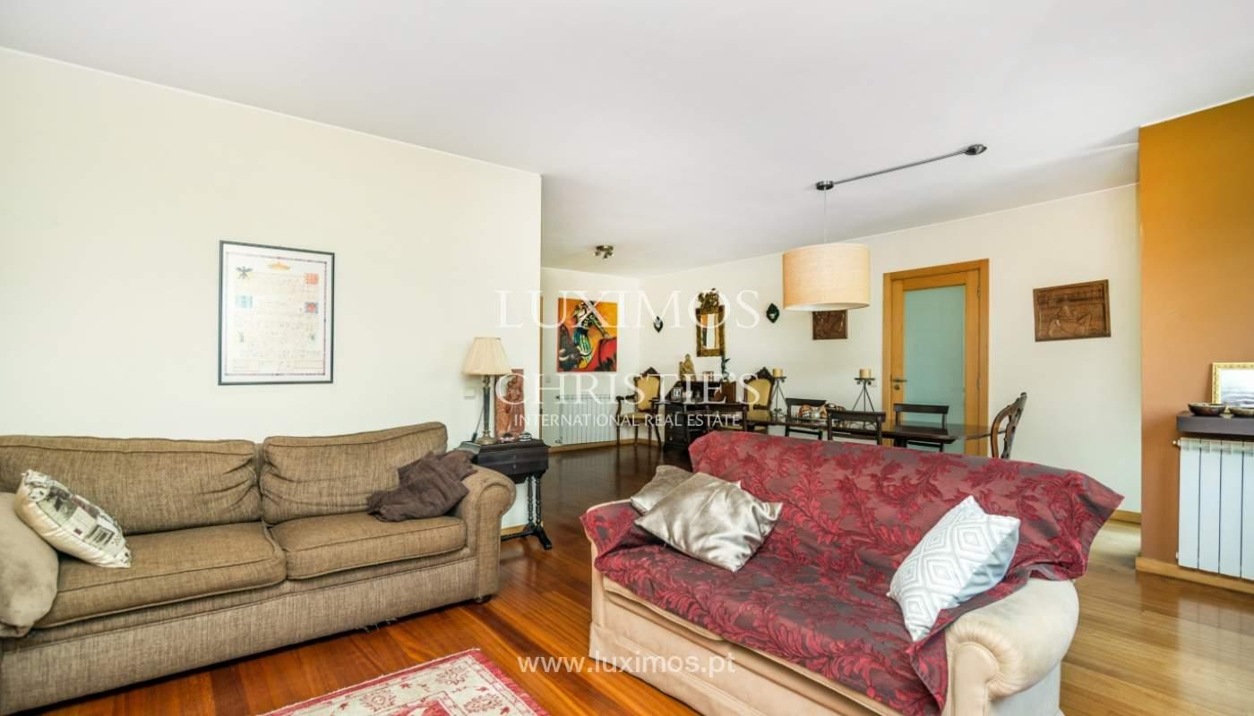 Sale of apartment in luxury condominium in Matosinhos Sul, Portugal_120176