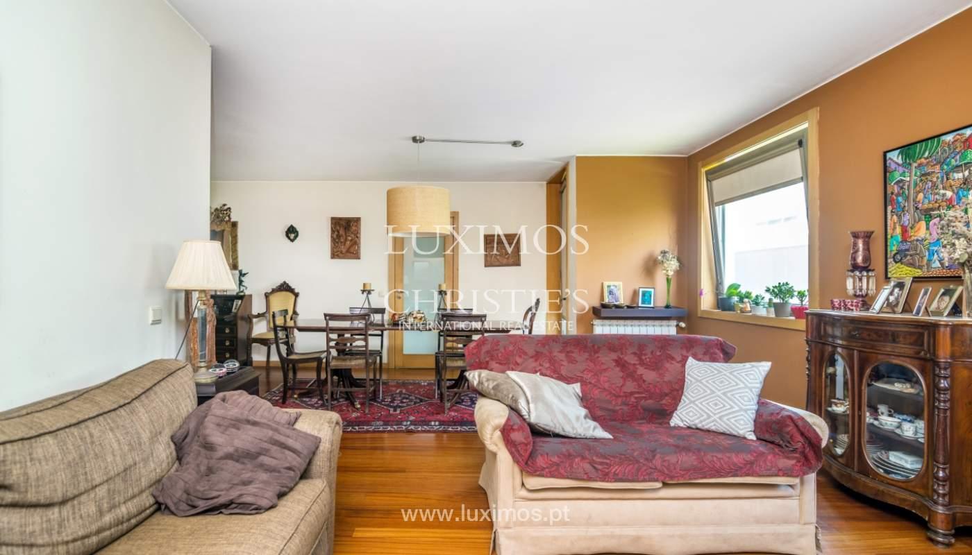 Sale of apartment in luxury condominium in Matosinhos Sul, Portugal_120177