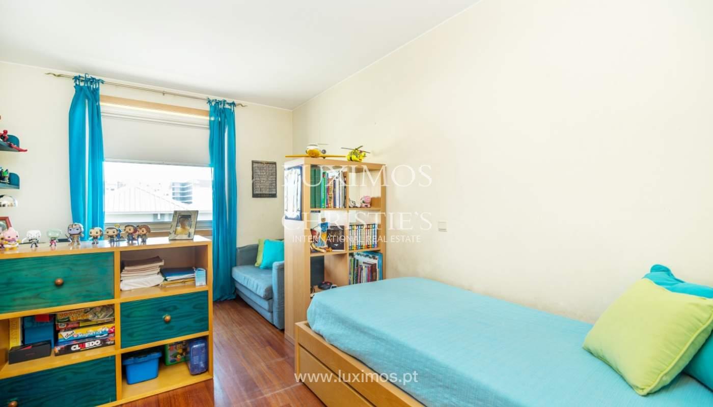 Sale of apartment in luxury condominium in Matosinhos Sul, Portugal_120180