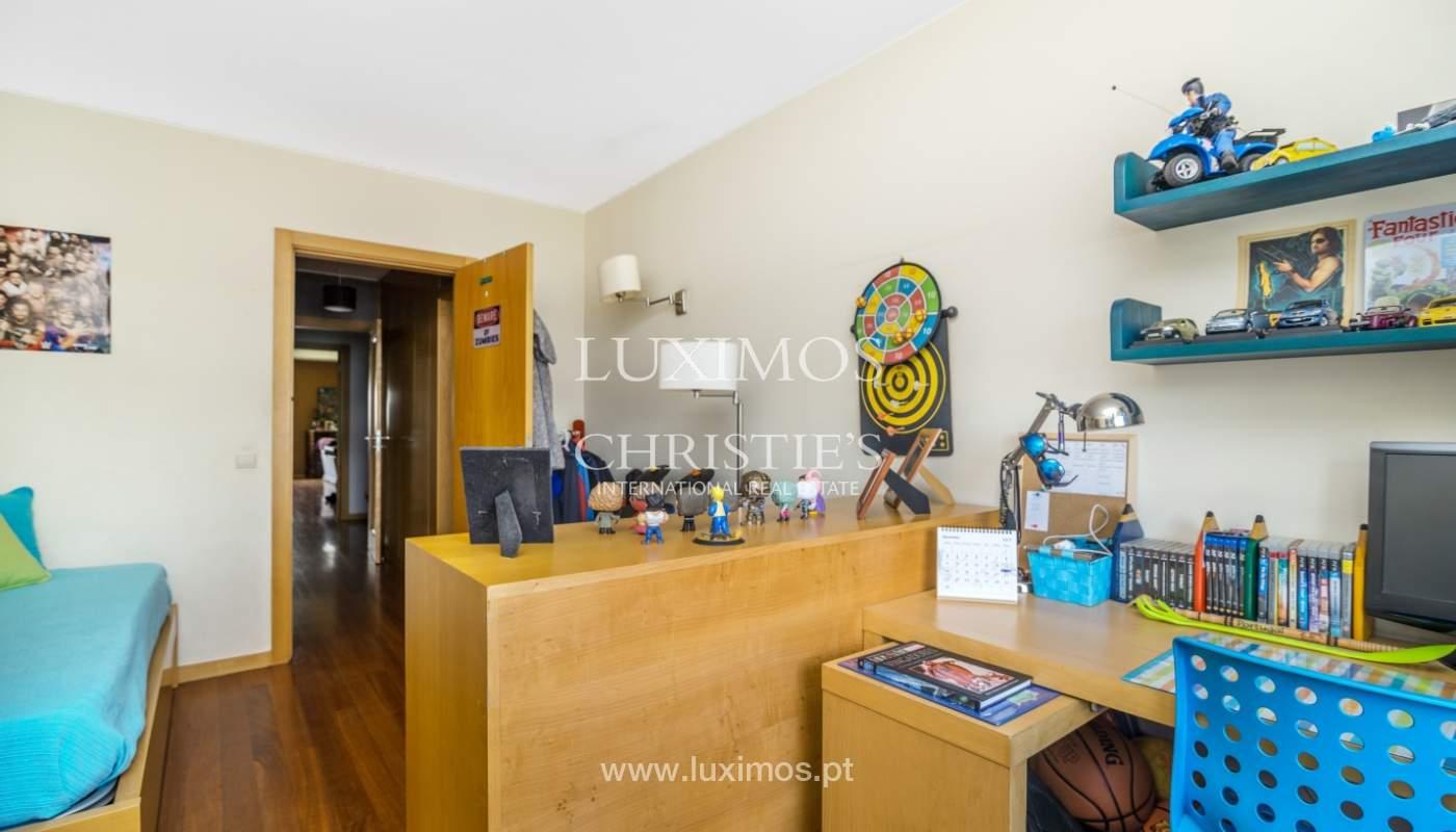 Sale of apartment in luxury condominium in Matosinhos Sul, Portugal_120183